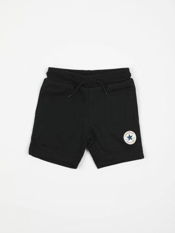 מכנסיים קצרים עם הדפס לוגו / בנים