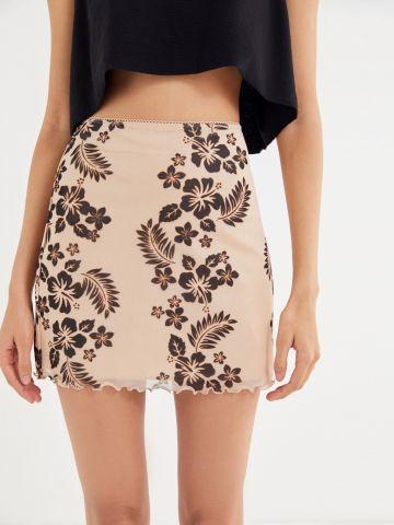 חצאית מיני בהדפס פרחים UO