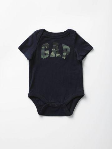 בגד גוף קצר עם הדפס לוגו / בייבי בנים