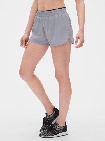 מכנסי ריצה קצרים / נשים