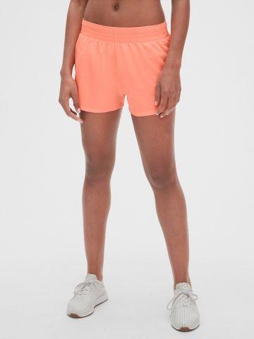 מכנסי ריצה קצרים / נשים של GAP