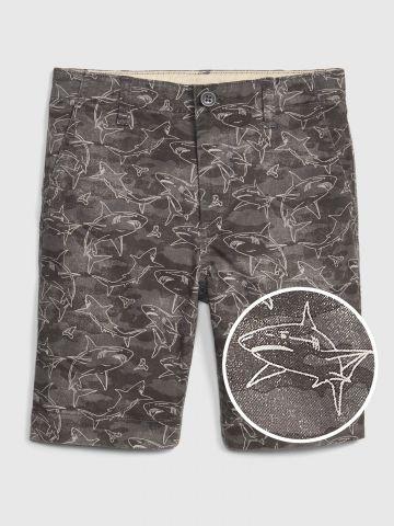מכנסי ברמודה בהדפס כרישים עם כיסים / בנים