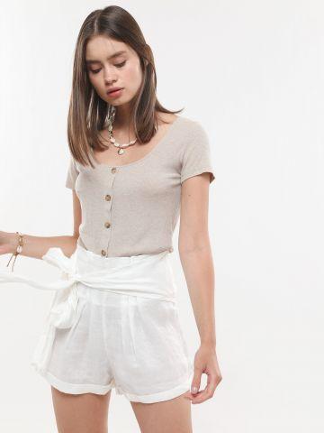 מכנסיים קצרים עם רצועת קשירה