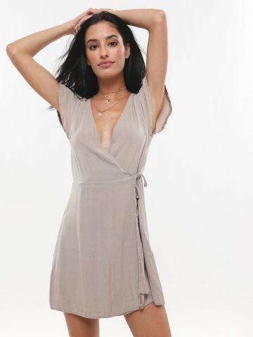 שמלת מיני בסגנון מעטפת עם שרוך קשירה