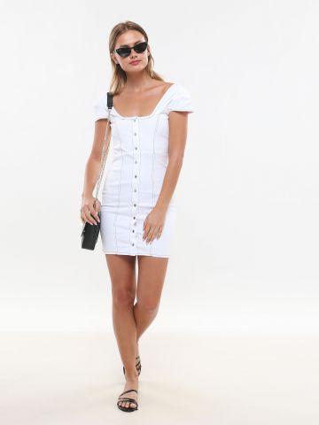 שמלת מיני עם תיפורים מודגשים וכפתורים