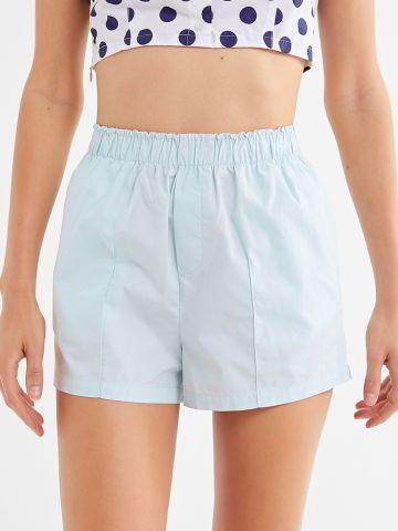 מכנסיים קצרים עם תיפורים בולטים UO