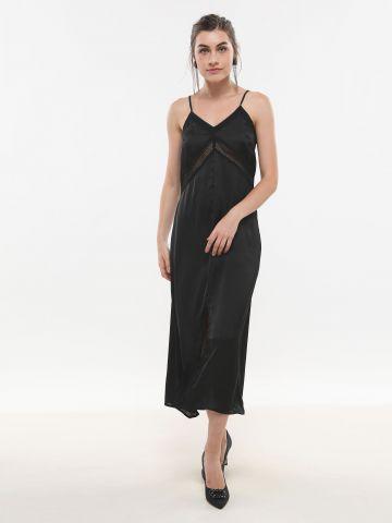 שמלת סאטן מקסי עם עיטורי תחרה של GLAMOROUS