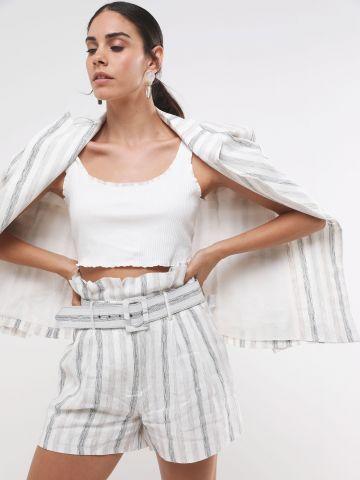 מכנסי פייפרבאג קצרים בהדפס פסים עם חגורה