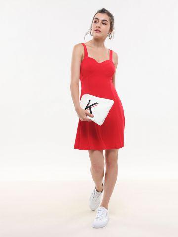 שמלת מיני עם תפרים דקורטיביים