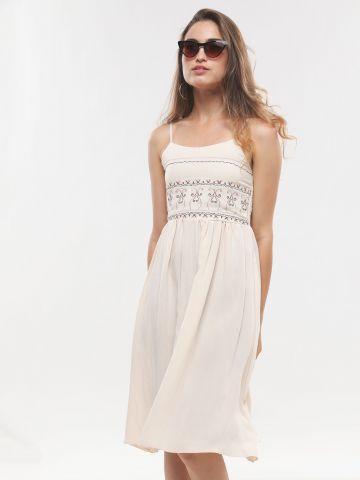 שמלת מידי עם עיטורי רקמה של YANGA