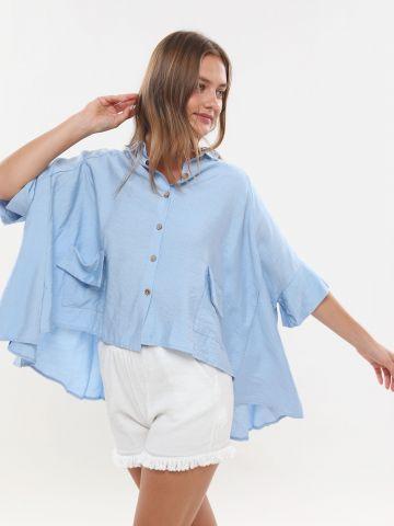 חולצת אוברסייז אסימטרית עם כפתורים