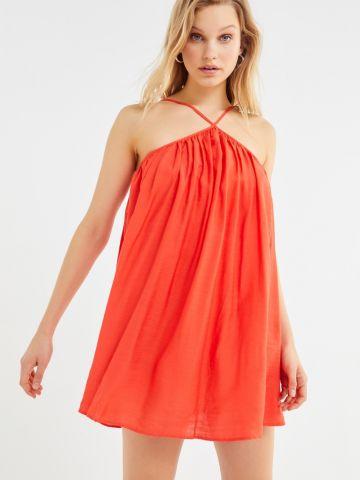 שמלת מיני עם קפלים UO