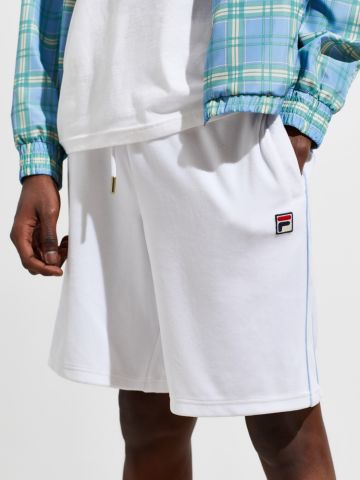 מכנסי טרנינג קצרים עם פאץ' לוגו Fila