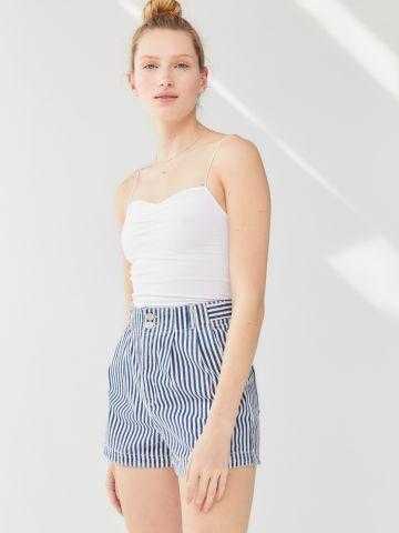 ג'ינס קצר בהדפס פסים UO