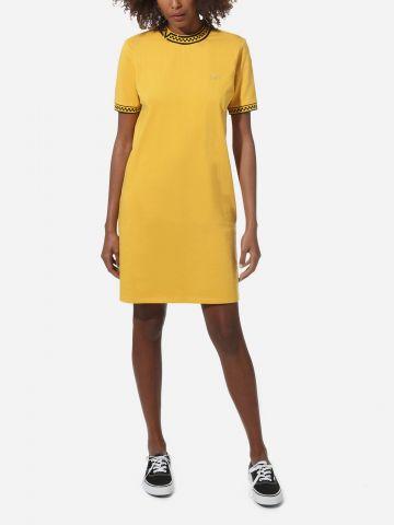 שמלת טי שירט מיני עם צווארון גבוה וסיומות דמקה