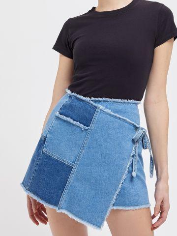 חצאית ג'ינס מיני מעטפת UO
