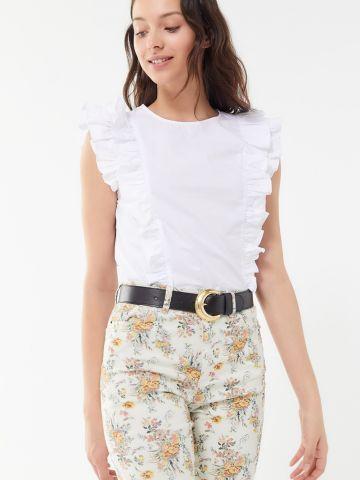 חולצה קצרה עם עיטורי מלמלה UO