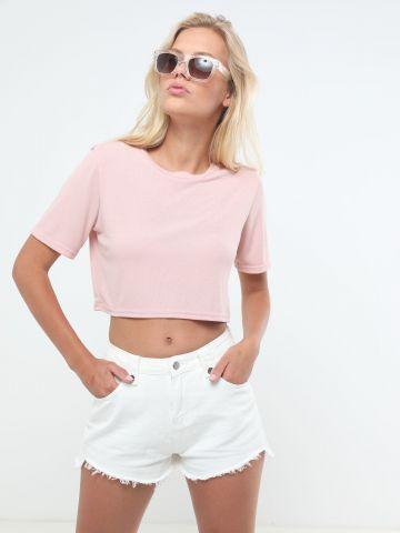 ג'ינס קצר עם סיומת פרומה