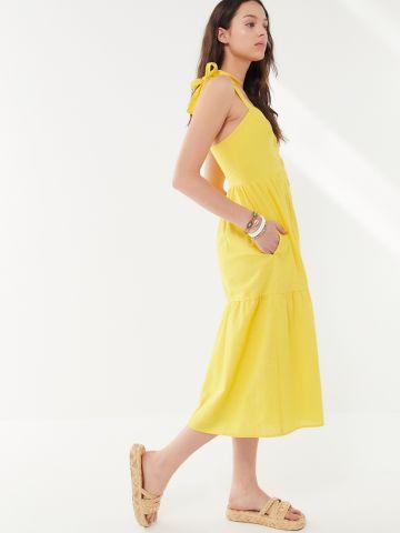 שמלת שכבות מידי כפתורים UO של URBAN OUTFITTERS