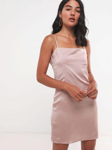 שמלת מיני סאטן עם כתפיות דקות