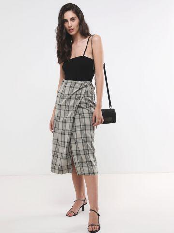 חצאית מעטפת מידי בהדפס משבצות