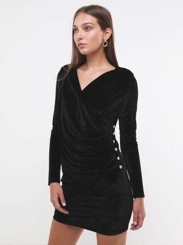 שמלת קטיפה מיני בסגנון מעטפת וי