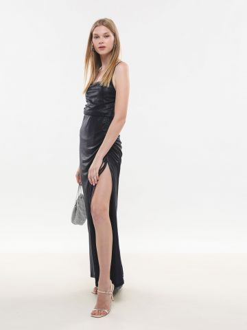 שמלת מקסי מטאלית עם שסע X טיארה