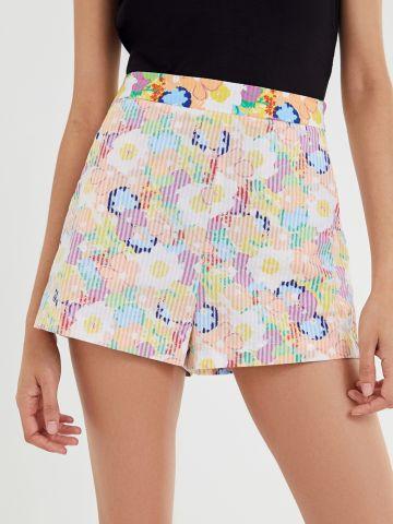 מכנסיים קצרים בהדפס פרחים UO