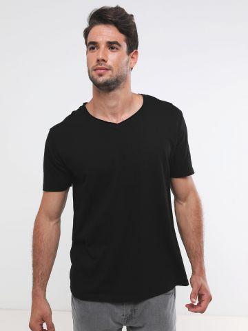 חולצת בייסיק וי / גברים