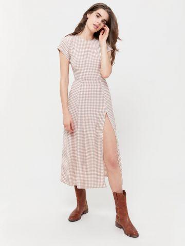 שמלת מידי בהדפס משבצות ושסע UO
