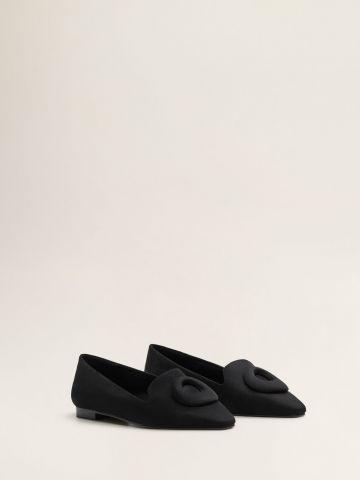 נעלי מוקסין דמוי זמש עם עיטור דקורטיבי
