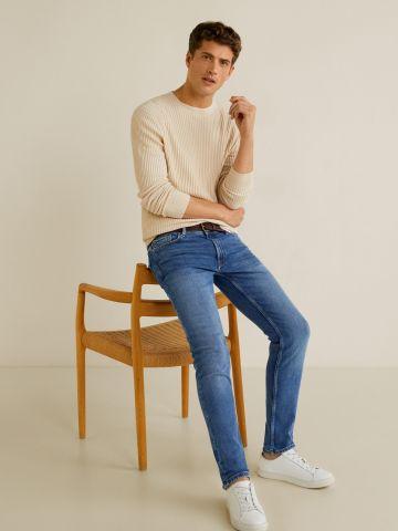 ג'ינס Slim-fit בשטיפה עדינה