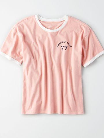 טי שירט רינגר עם הדפס לוגו / נשים