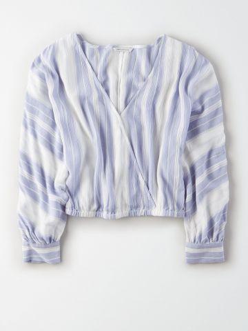 חולצת מעטפת קרופ בהדפס פסים / נשים