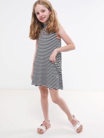 שמלה ללא שרוולים בהדפס פסים