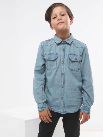 חולצת ג'ינס מכופתרת עם כיסים