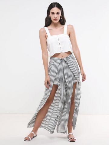 מכנסיים ארוכים בהדפס פסים עם פתחים בחזית