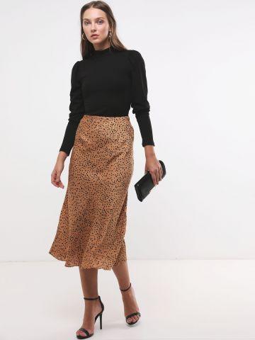 חצאית סאטן מקסי בהדפס חברבורות