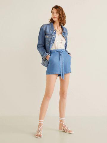 ג'ינס קצר עם חגורת קשירה