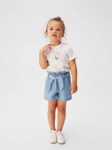 מכנסיים קצרים עם חגורת קשירה / בייבי בנות