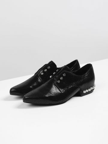נעלי אוקספורד עור עם עיטורי ניטים