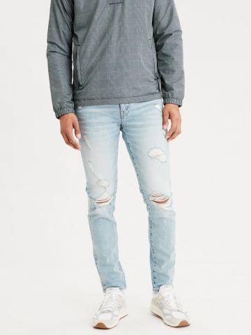 ג'ינס סקיני בשטיפה בהירה עם קרעים Skinny