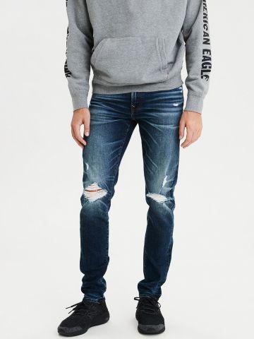 ג'ינס סקיני בשטיפה כהה עם קרעים