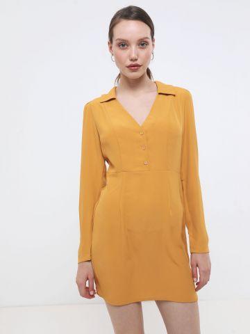 שמלת מיני מכופתרת עם צווארון