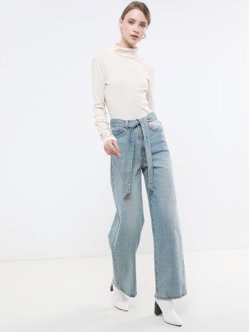 ג'ינס מתרחב עם חגורת קשירה