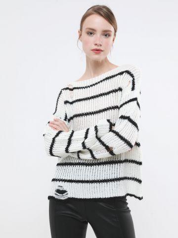 סוודר פסים בסריגה מורחבת
