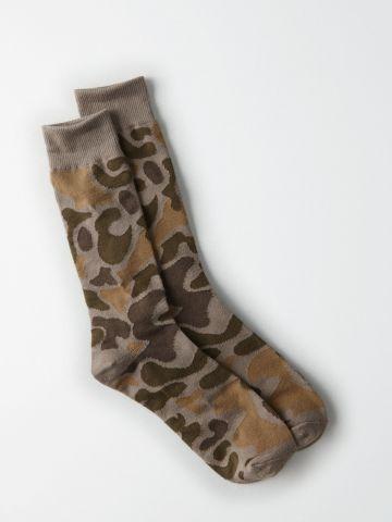 גרביים גבוהים בהדפס קמופלאז' / גברים