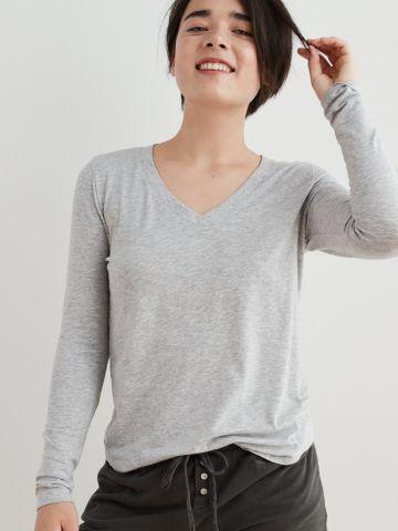 חולצת פיג'מה וי
