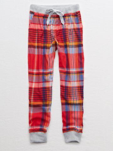 מכנסי פיג'מה בהדפס משבצות עם גומי בסיומות