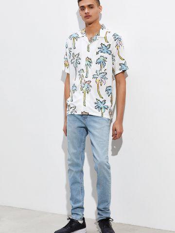 ג'ינס סקיני בשטיפה בהירה BDG